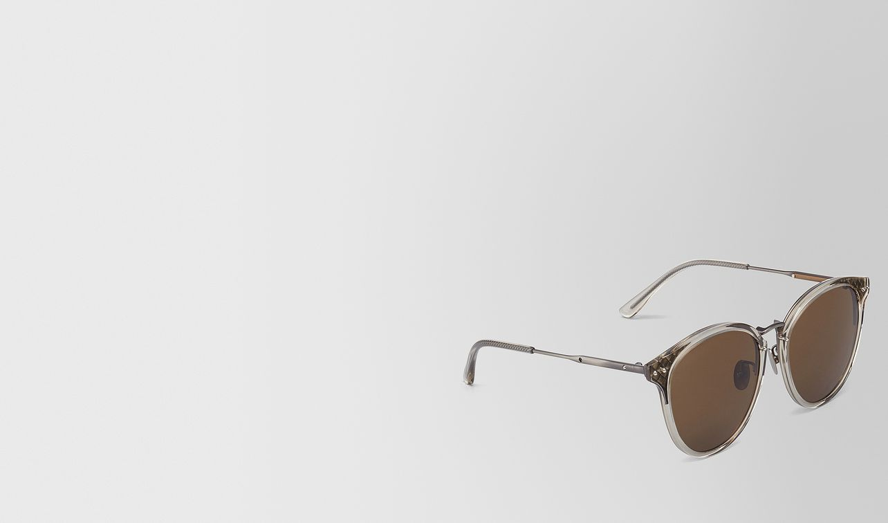 sonnenbrille aus metall in silver landing