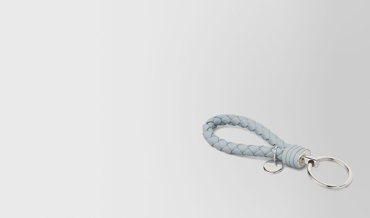 schlüsselanhänger aus intrecciato nappa in arctic landing