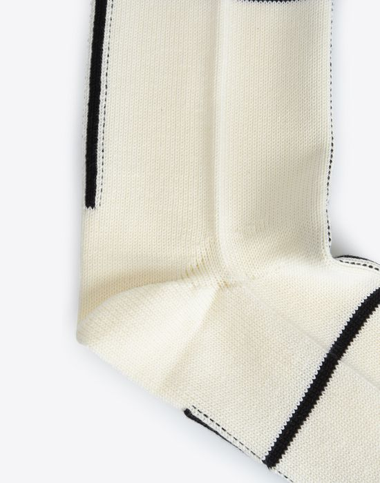 "MAISON MARGIELA Two-tone ""Atelier"" print Tabi socks Half chaps Man d"