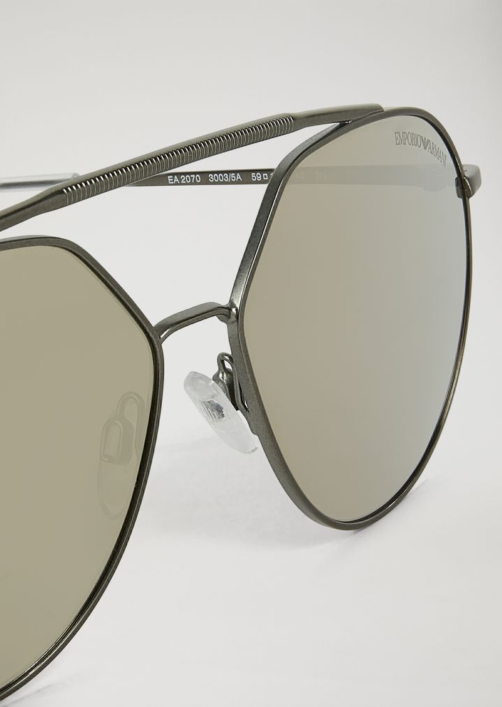 bcd83ec6167 Sunglasses with double bridge and mirrored lenses