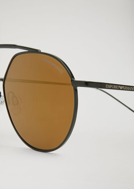 Sunglasses with double bridge and mirrored lenses