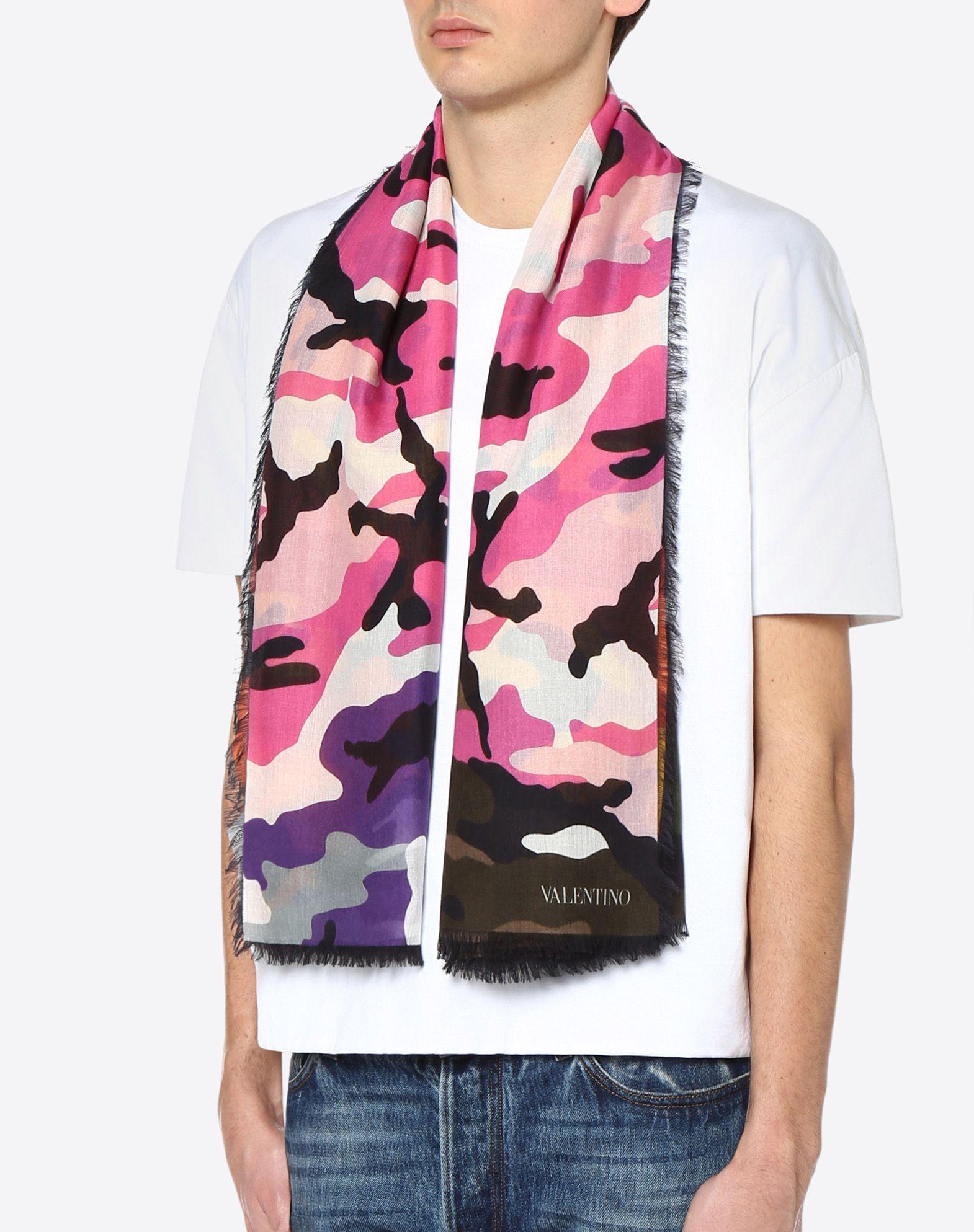 VALENTINO SETA 140x140 cm Camouflage scarf   Scarf U d
