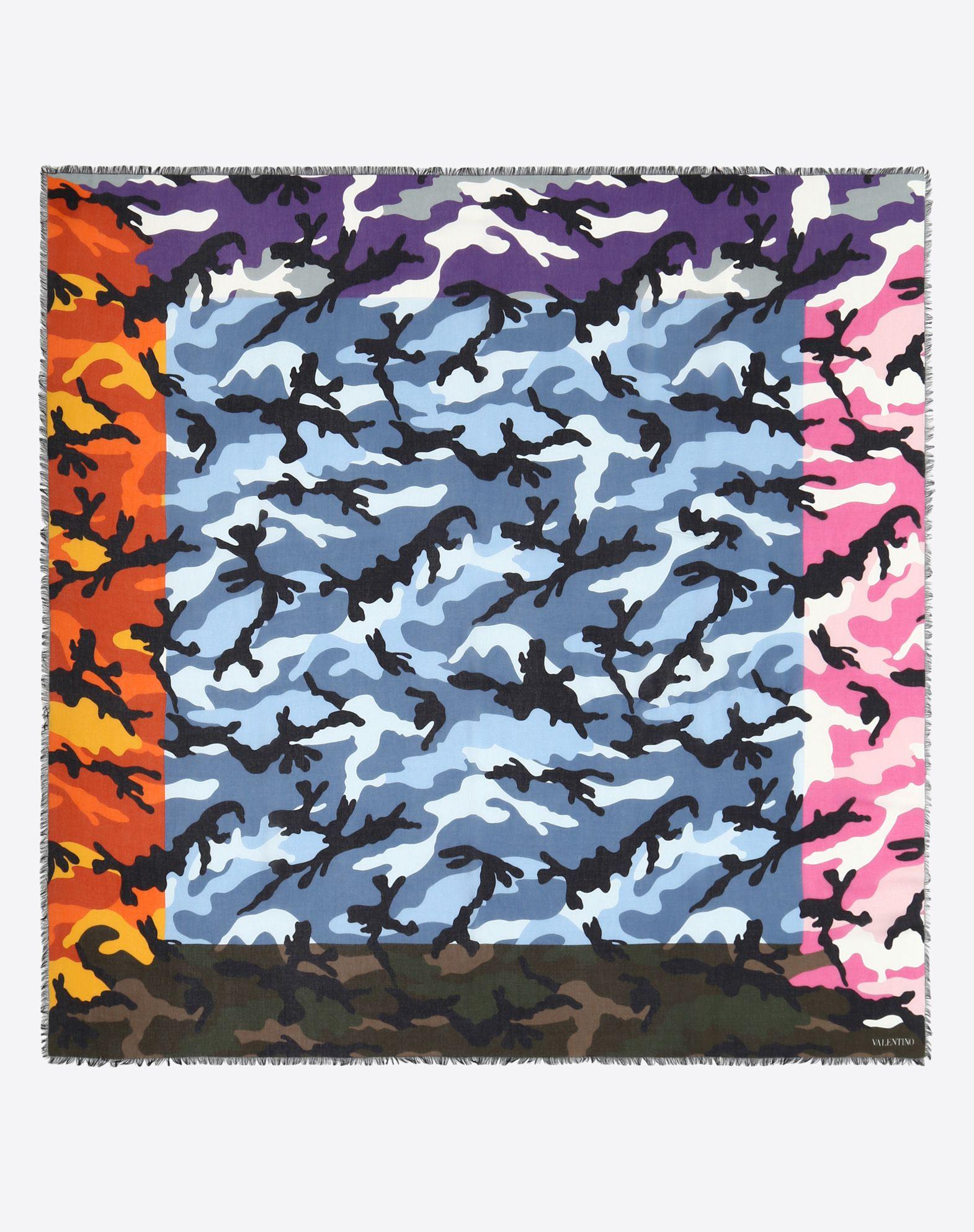 VALENTINO SETA 140x140 cm Camouflage scarf   Scarf U r