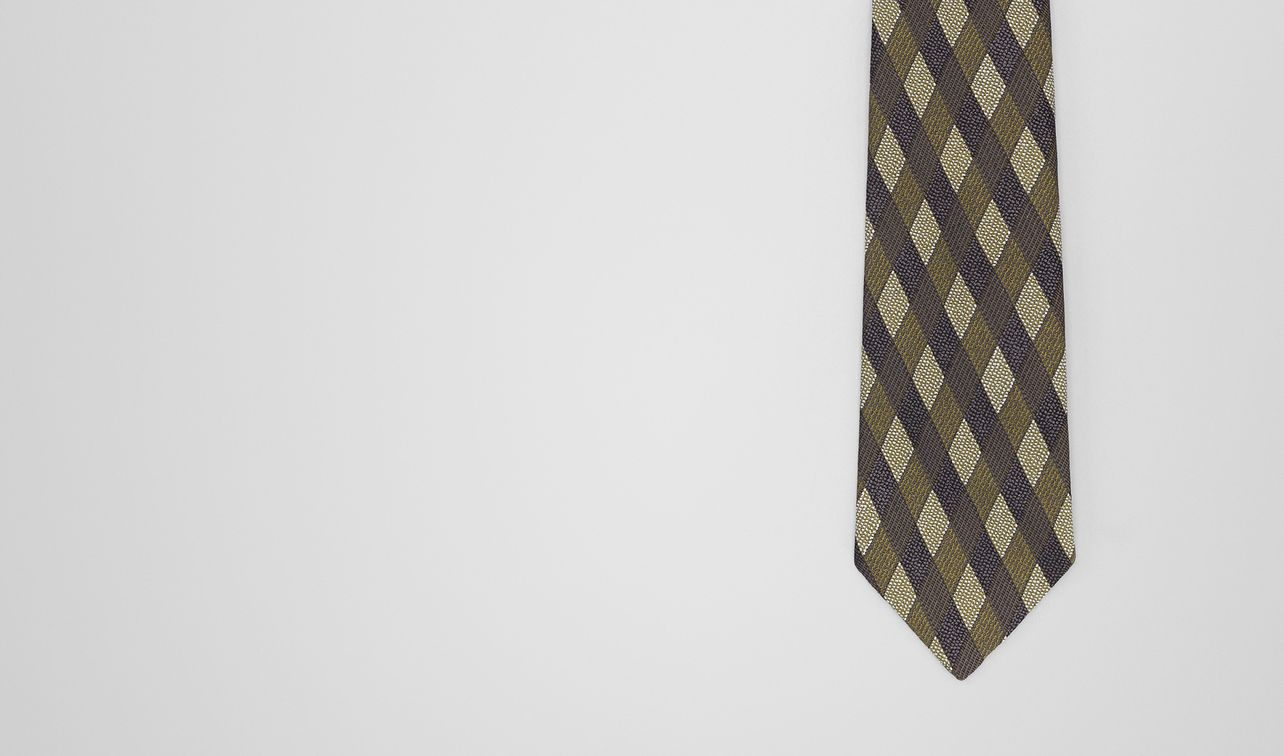 anthracite/green silk tie landing
