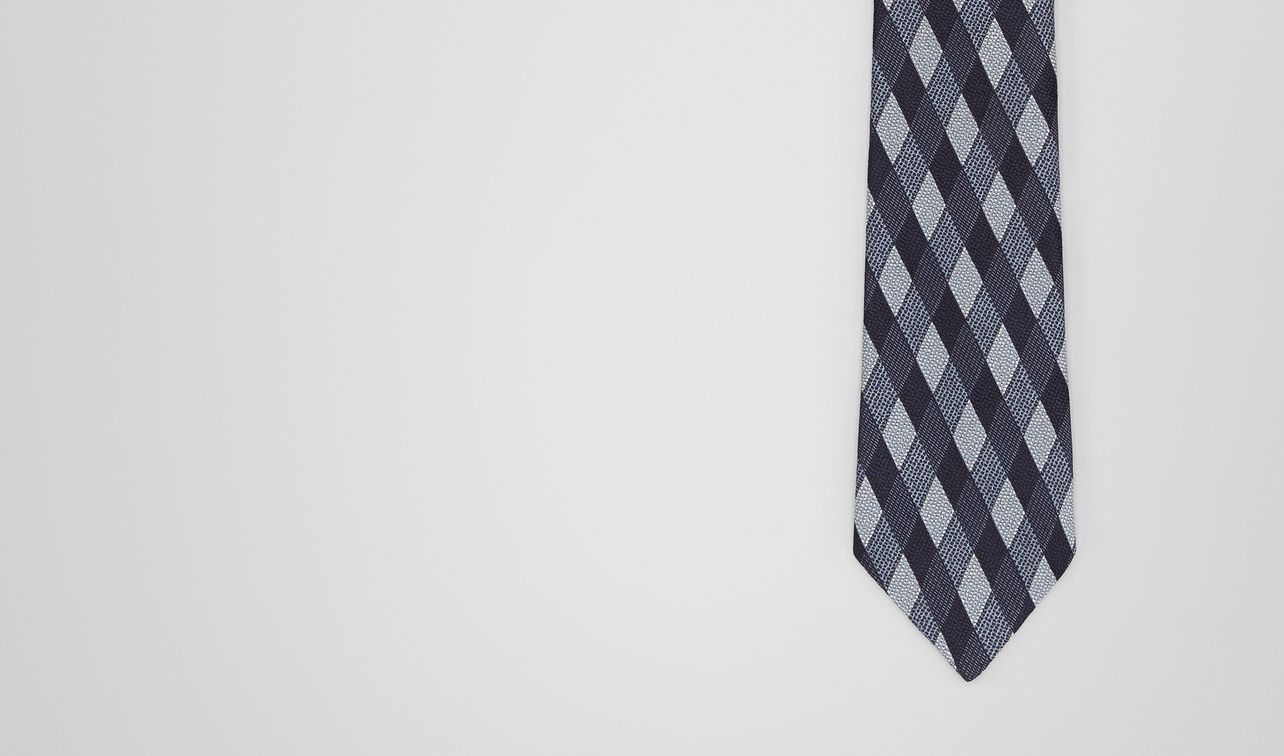 midnight blue/sky blu silk tie landing