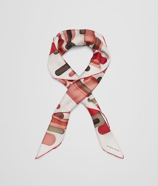 FOULARD AUS SEIDE IN RED