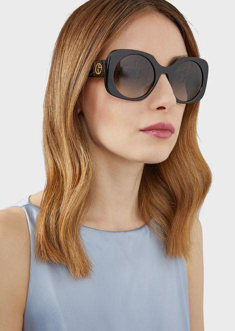 Солнцезащитные очки с аппликацией-логотипом