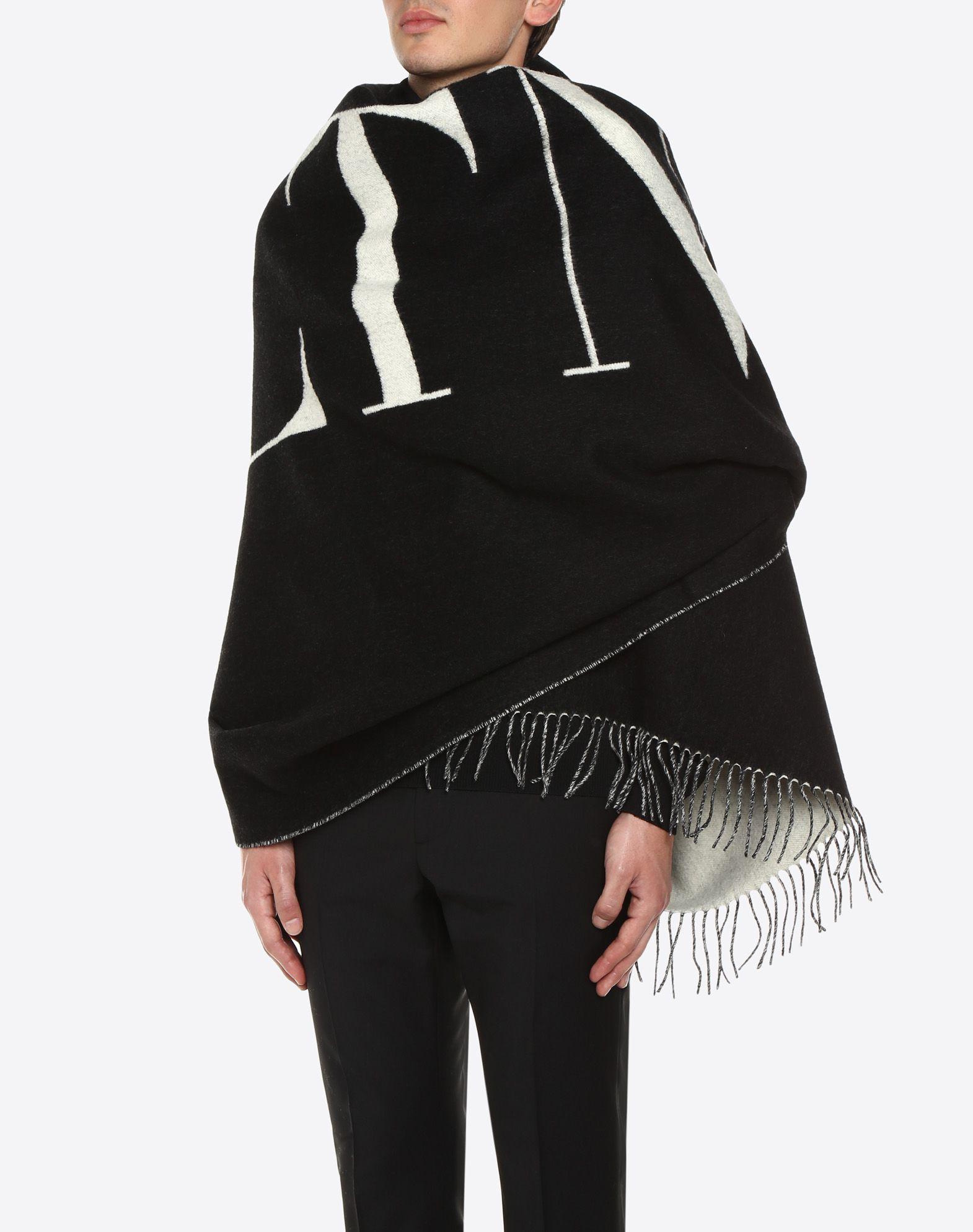 VALENTINO 150x200 cm VLTN shawl   Shawl U d