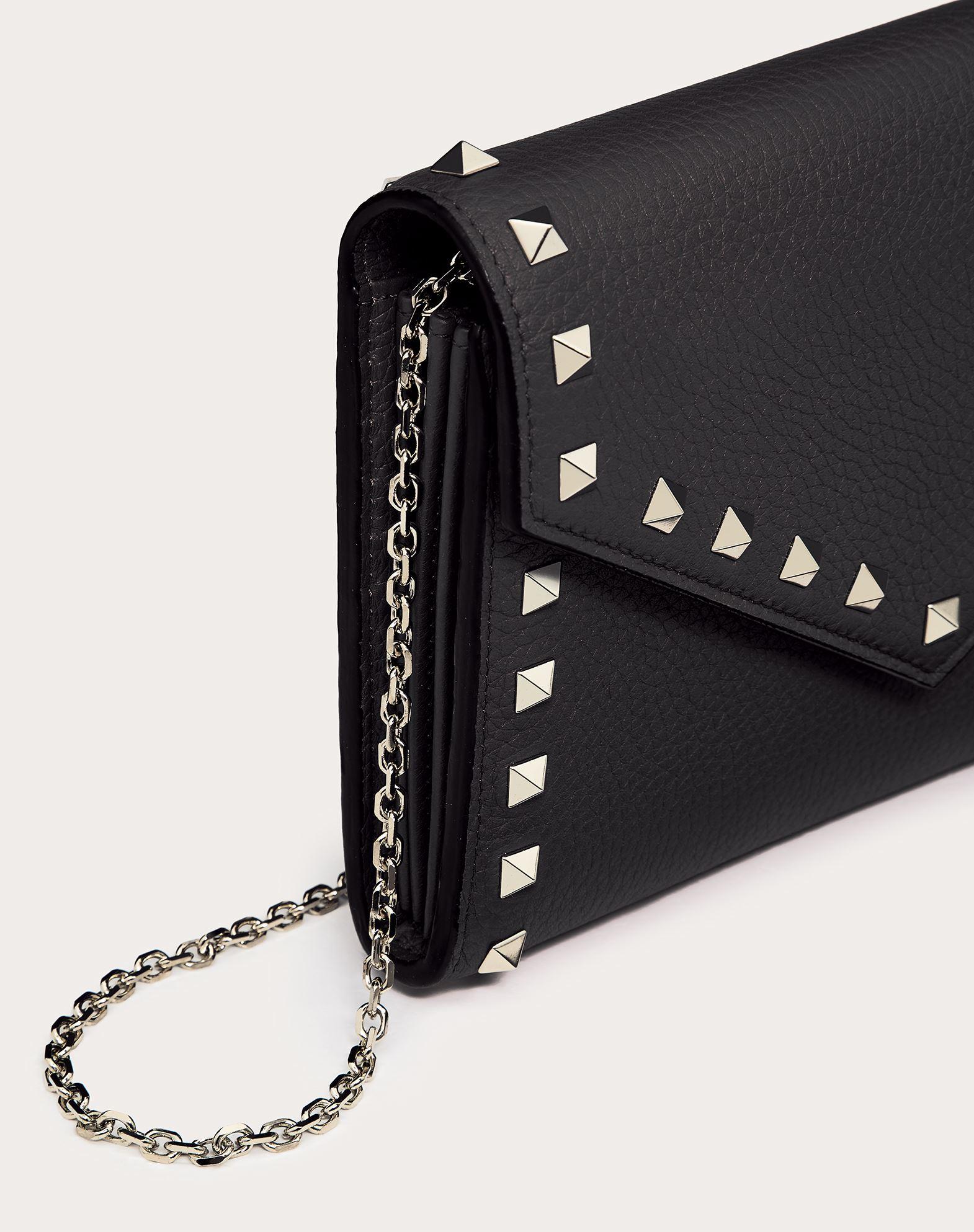 VALENTINO GARAVANI Rockstud Wallet with chain CHAIN WALLETS D r