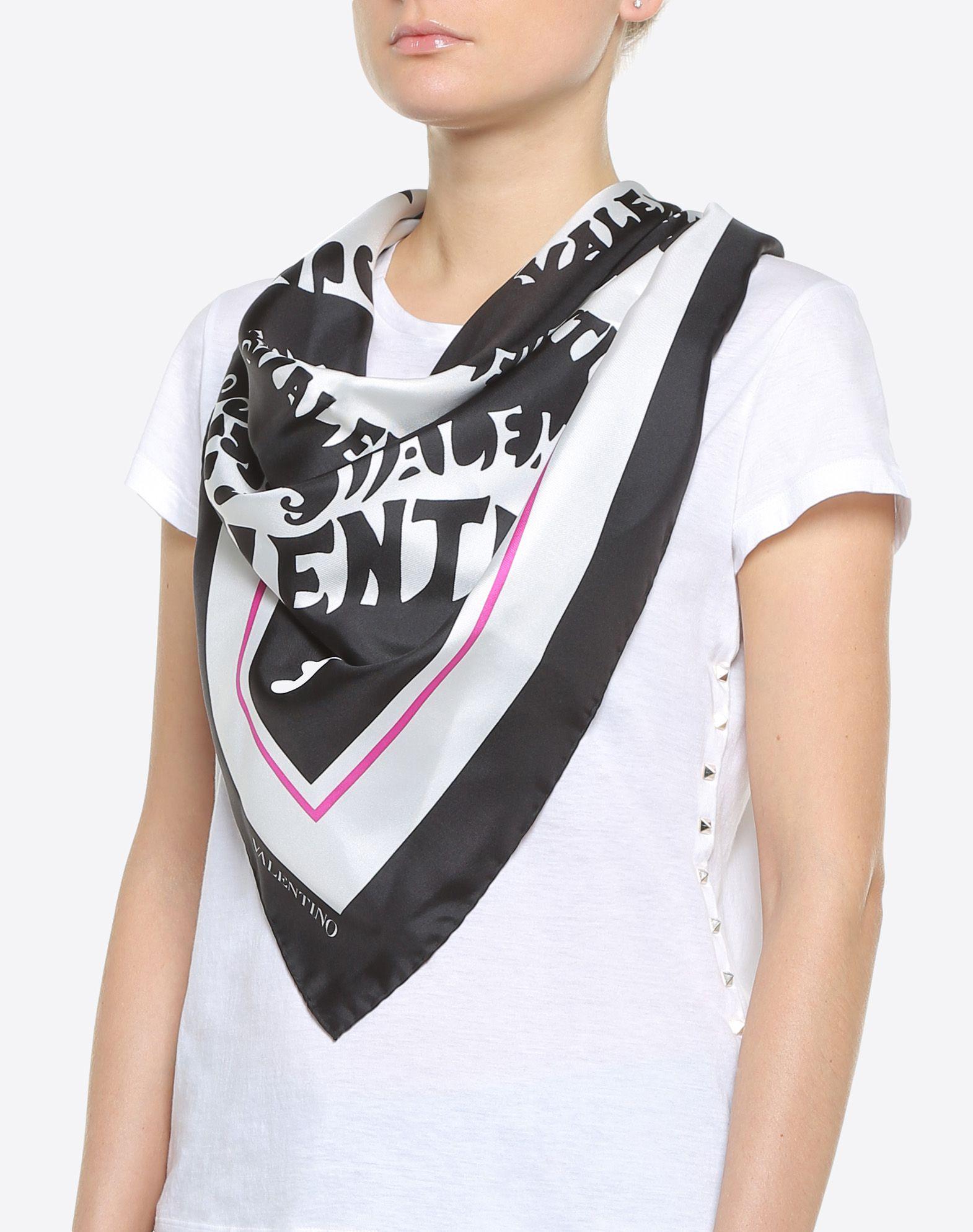 """VALENTINO Silk twill foulard 90x90 cm / 35.4x35.4"""" Foulard D d"""