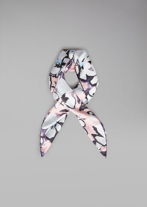 Scarf in pure silk with floral pattern