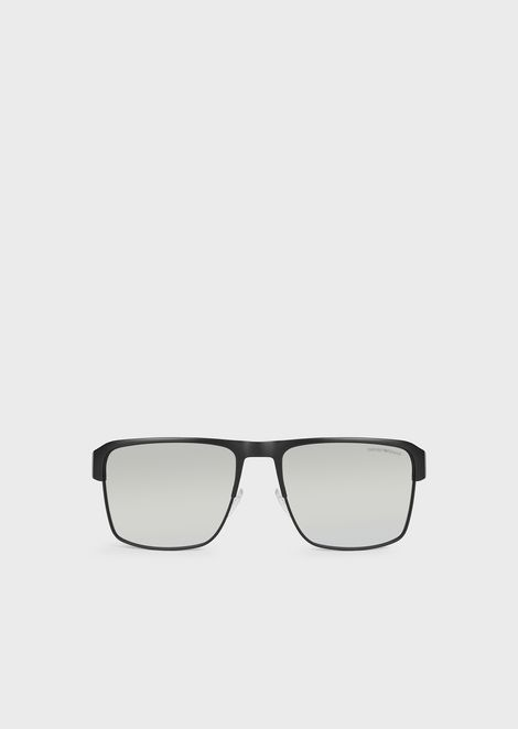 Rectangular sunglasses with branded nose pads and temples