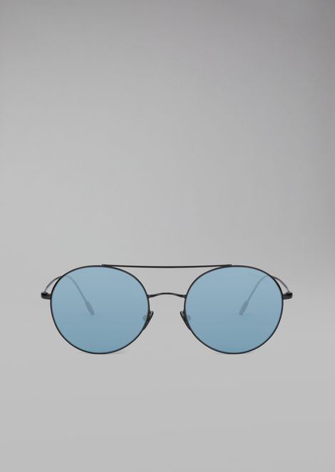 Sunglasses with metal frame