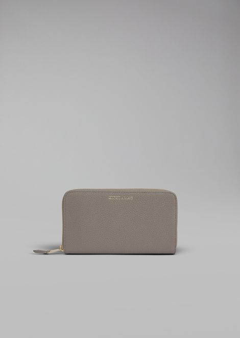 Horizontal grainy leather wallet with zip