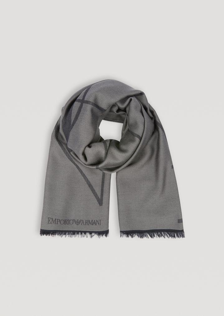 Sciarpa in pura lana con ricamo logato e profilo sfrangiato  e736cbbb9bda