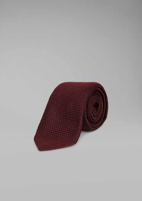 Pure silk tie with checked jacquard motif