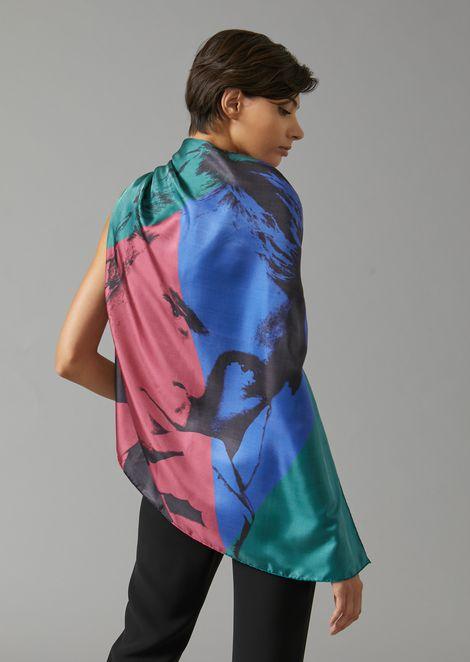 Scarf in pure silk with Giorgio Armani photographic print