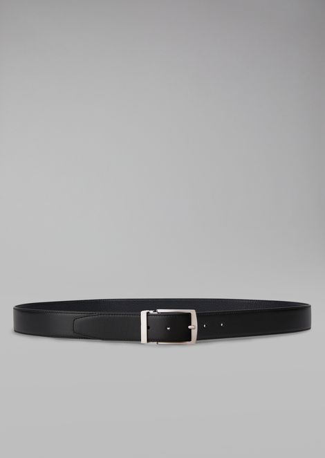 Belt in grained leather with metal buckle