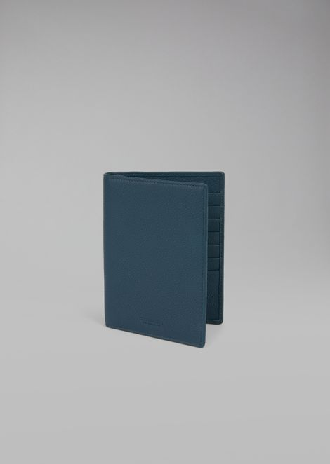 Passport holder in grained calfskin