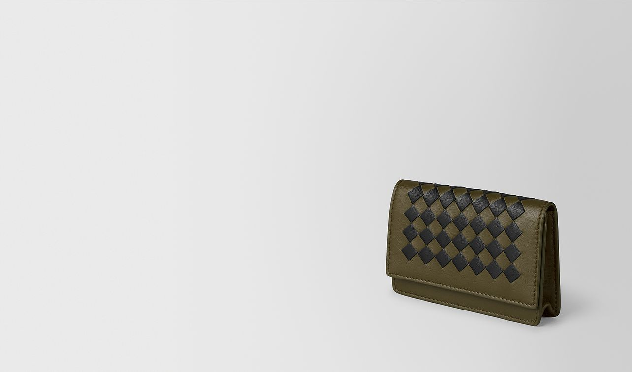 mustard/nero intrecciato checker card case landing
