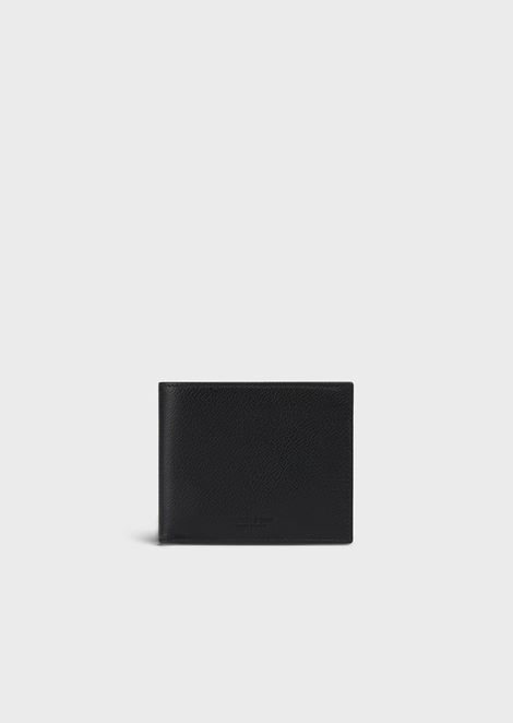Bifold wallet in grained leather with coin pocket