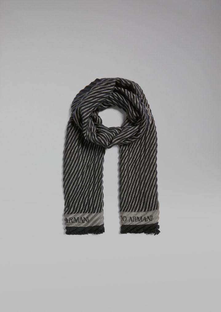 Écharpe en pure laine avec lignes obliques plissées   Homme   Giorgio Armani edcfa387101