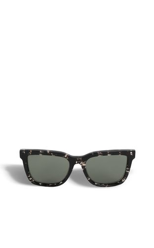 Sunglasses with a square design