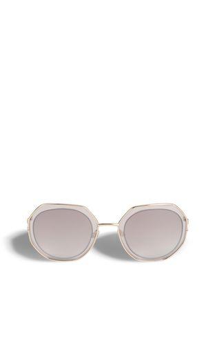 Sunglasses with a geometric design