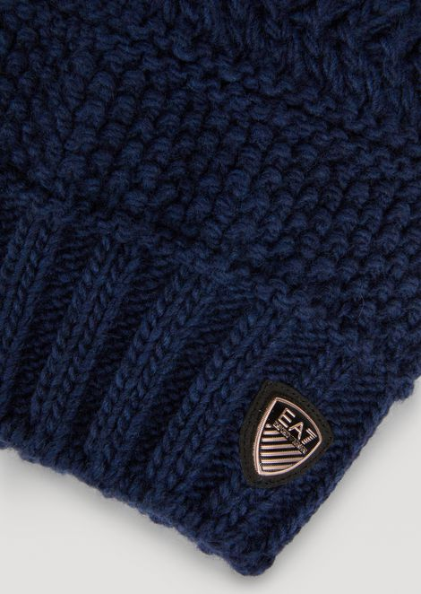 Textured-knit hat with pompom