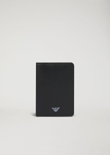 Funda para pasaporte de piel con estampado granulado