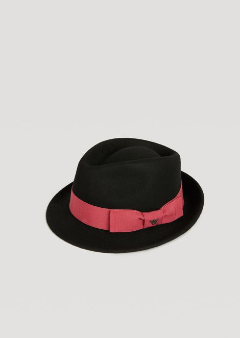 Fedora with contrasting band and bow
