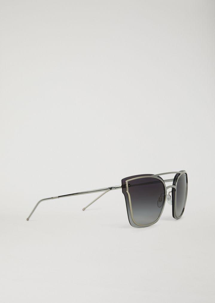 f405653170cd63 Avant-garde metal sunglasses with graduated lenses