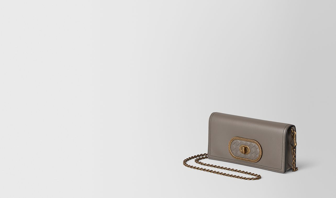 chain wallet in nappa  landing