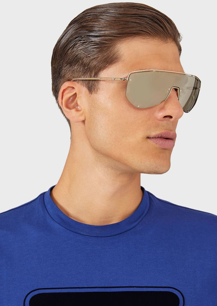 39982d517bf1 ... Catwalk Man sunglasses with mask-style lenses. EMPORIO ARMANI
