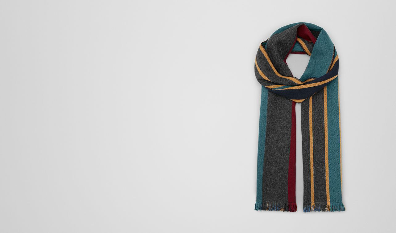 scarf in cashmere  landing