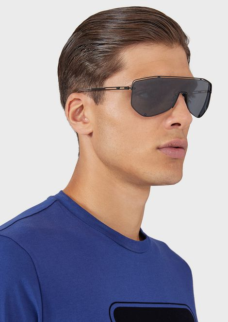 Catwalk Man sunglasses with mask-style lenses