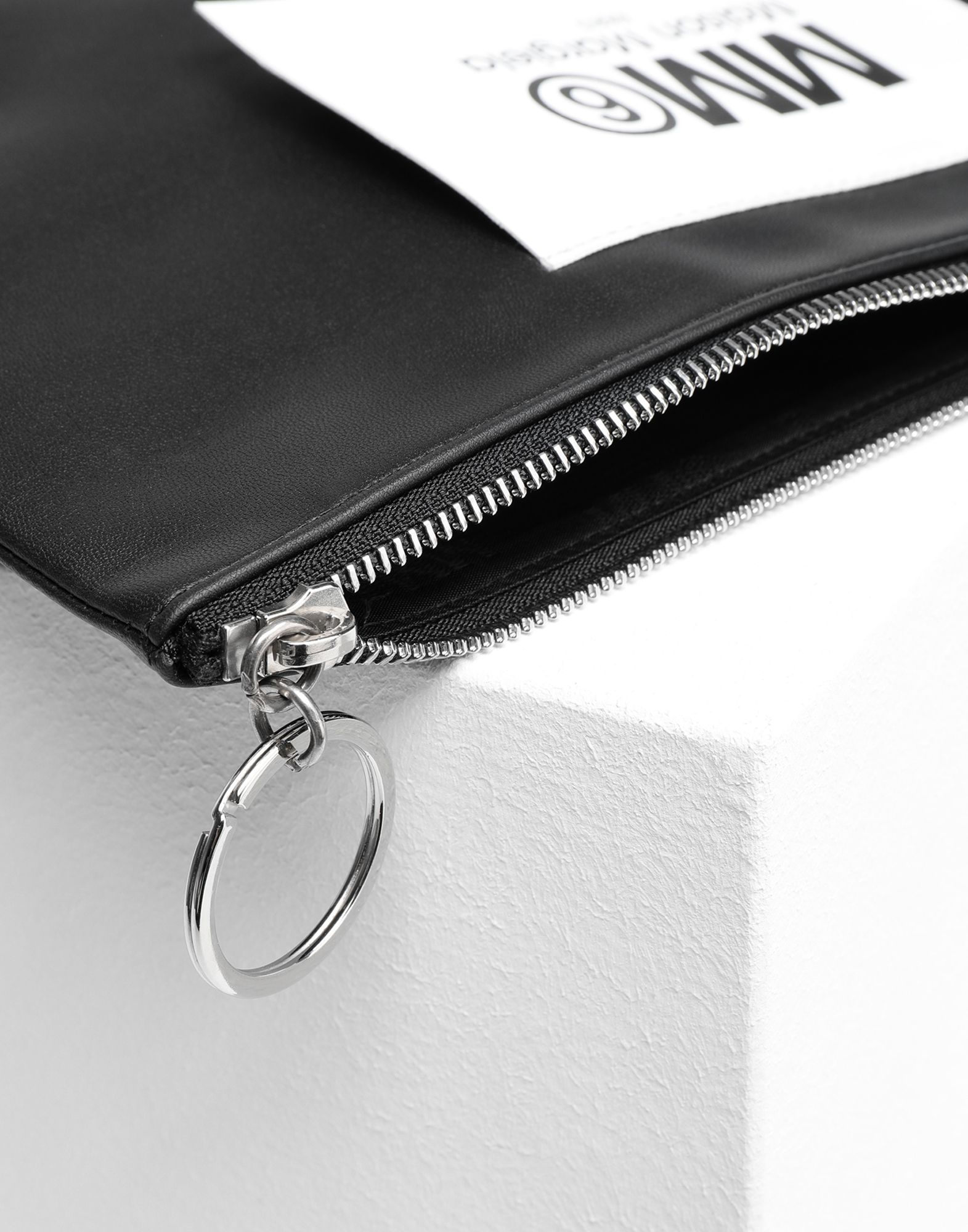 MM6 MAISON MARGIELA Logo tab zip leather pochette Key ring Woman d