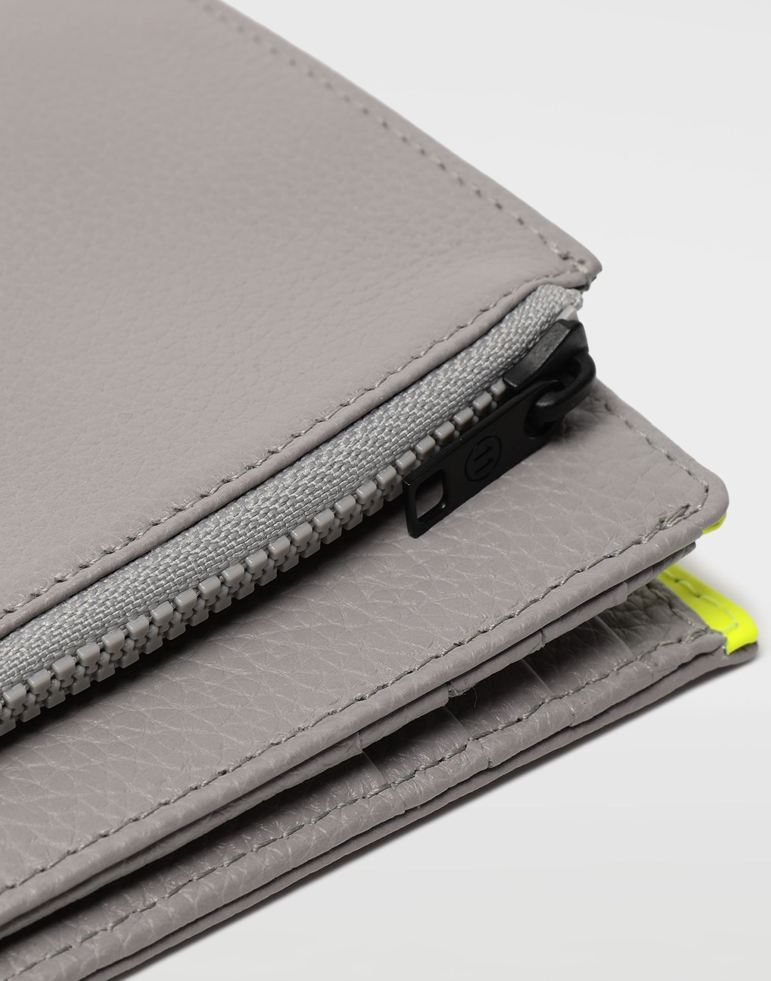 MAISON MARGIELA Small fold-out zipped leather wallet Wallet Man a