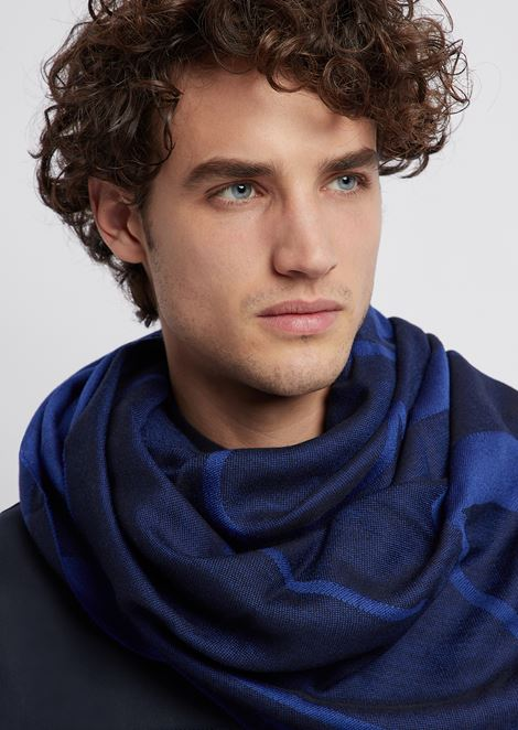 Pure wool stole with logoed jacquard pattern
