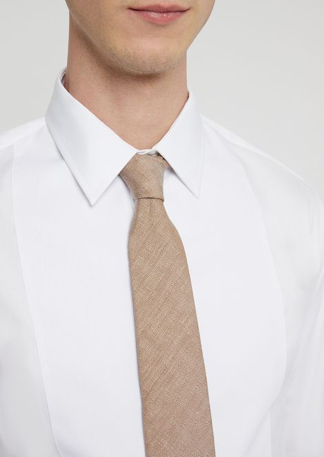 Tie in silk and linen