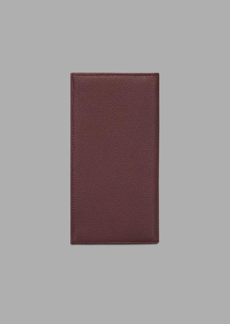 Vertical wallet in grained calfskin