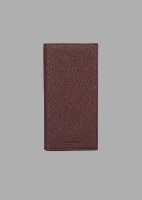 Vertical wallet in grained calfskin