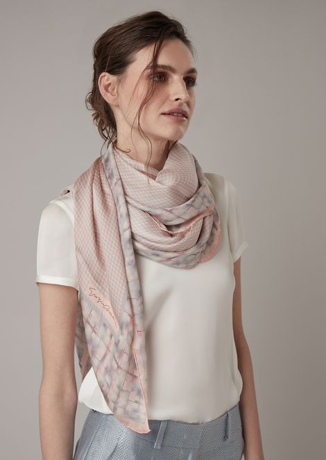 Silk scarf with central houndstooth pattern and abstract edging