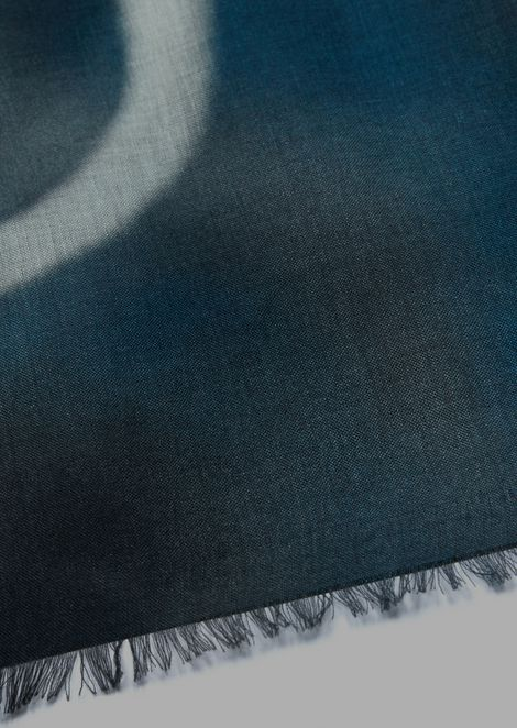 Scarf in modal and cashmere with tie-dye motif and logo