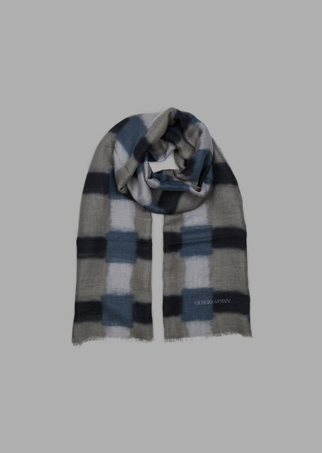 Modal linen and silk stole with blurred checks