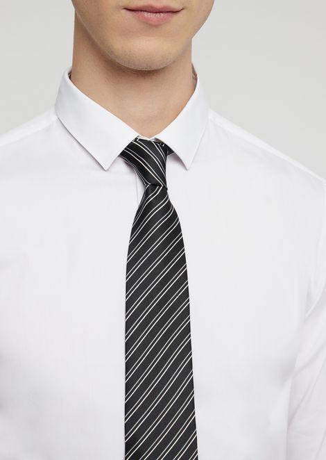 Corbata de seda pura con fantasía a rayas