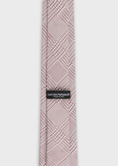 Tie in silk satin with geometric pattern