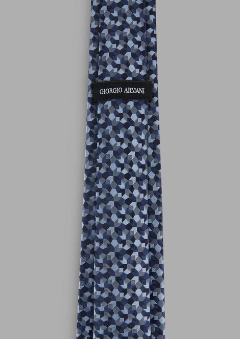 Tie in jacquard embroidered fabric with geometric motif
