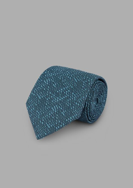 Tie in jacquard-embroidered fabric with geometric motif