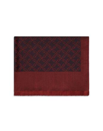 Бордовый шарф с узором из логотипов